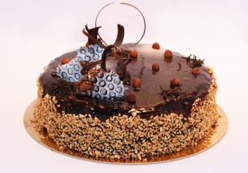 Mogyorós dacquoise csokitorta